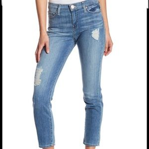 ⭐️True Religion Colette High Rise Tapered Jeans 25
